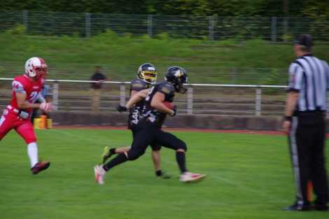 Blackhawks_gegen_Aces_Football